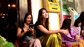 bangkoks nana red light district in hd-talking with.