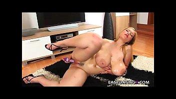 huge tits bbw teasing pussy and boobs - easydatingx.com