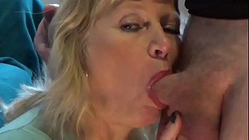 using mature mom&#039_s mouth