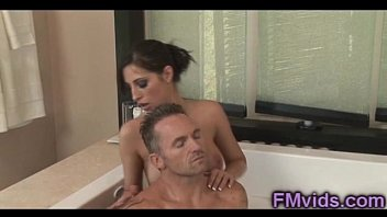 sexy babe kortney kane bathtub plays