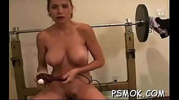 exposed bombshell with nice tits enjoys a relaxing.
