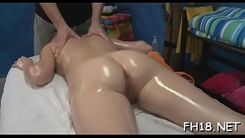 beauty gets her anal gap banged for the.
