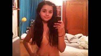 indian girl shweta malik showing big.