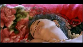 hot romantic scenes from dear sneha movie -.