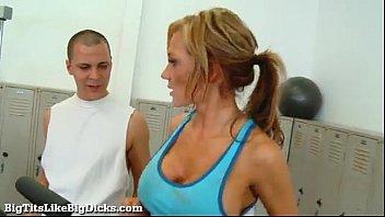 big tits like big dicks: nikki.