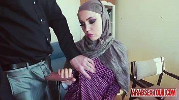 arab slut get some serious cash to let.