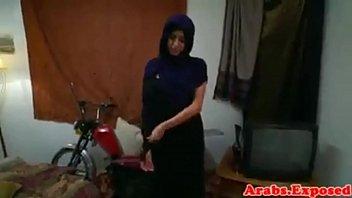muslim hizabi girl