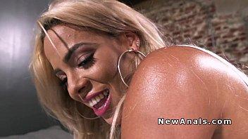 huge boobs blonde anal bangs ex.