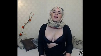 voluptuous arab floozy with her hijab