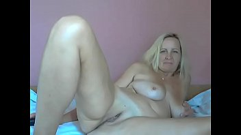 mature-blonde - camgirls69.me