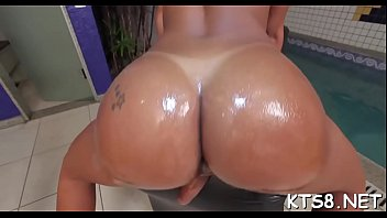 tranny whore gets rectal hole split