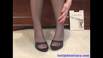 fjf daisy models her feet and legs in.
