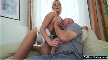 19yo daisy lee seducing her old stepdad to.