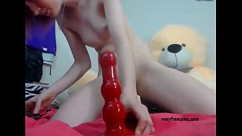 virgin ass destroyed by big toy.