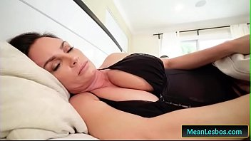 hot and mean - my mom fucked my.