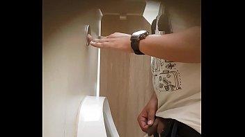 banheiro carrefour jundia&iacute_ mijada flagra