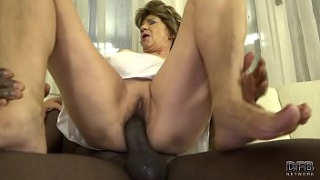 10 katala hot granny ass full with black.