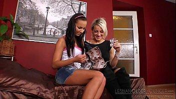 dara lee and nataly - lesbian.