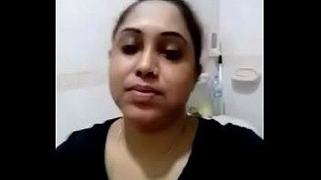 desi puja bhabhi from delhi sending nude selfie.