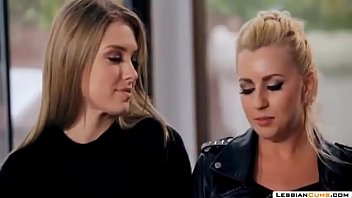 lesbiancums.com: lesbian home assault threesome
