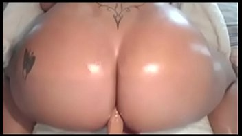 big ass latina masturbates with dildo.