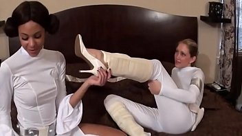 crazyamateurgirls.com - star wars foot worship.