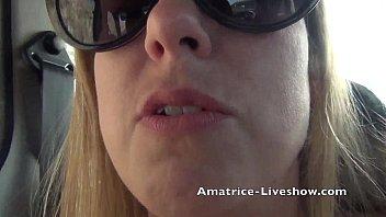 amatrice francaise s&#039_exhibe en cam skype.
