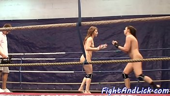 naked lesbian babes dont stop wresting