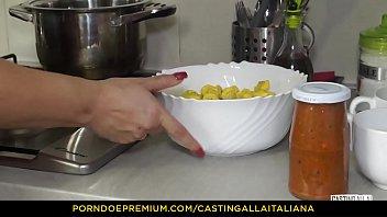 casting alla italina - juicy anal with horny.