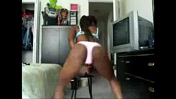 booty twerking black babe in panties.