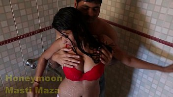 indian delhi bhabhi hot sex video in shower.