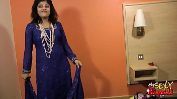 sexy indian babe rupali bhabhi boobs.