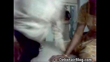 desi web couple exposing her boobs.