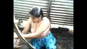 indian desi aunty topless outdoor bath capture - wowmoyback