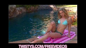 busty bikini glad blonde rubs her pussy by.