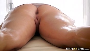 brazzers - (keisha grey) gets oiled up and.