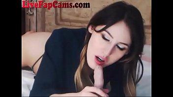 stunning webcam slut wants to suck.