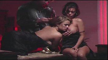 crissy moran &amp_ shyla stylez - erin&#039_s erotic.