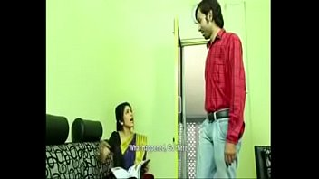 hot mallu aunty romance with husband friend savita bhabi