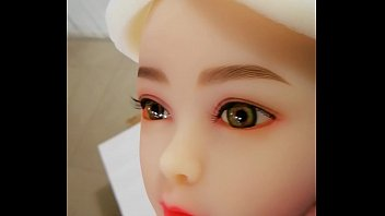100cm flat chest sex doll with green eye.