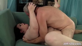 seductive bbw holly jayde serves up her pussy.