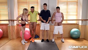 slut chessie kay gives head for 3 of.