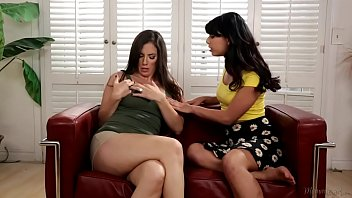 momxdaugther not tell your father about this girlsxxxcam com