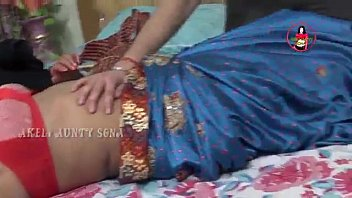 tamil aunty enjoy sexy moment --.