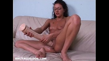 french canadian amateur fills her pussy with long dildo