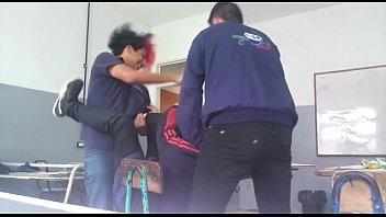 zhukulemtho tr&iacute_o gay en la escuela