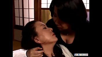 2 fat mature women kissing sucking nipples patting.