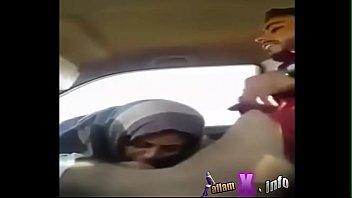 salim fucks girl in the car.