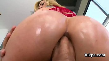 flawless peach flaunts enormous butt and gets anal.
