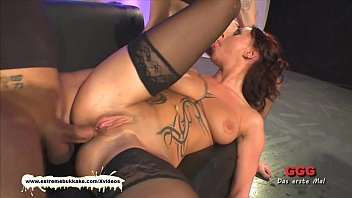 tatttoed milf gets her daily sperm dose before.